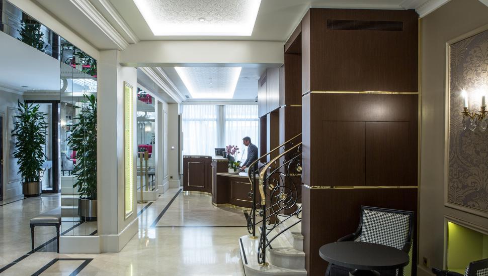 Hôtel Saint Petersbourg - Hotel