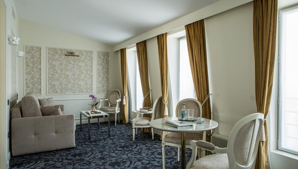 Hôtel Saint Petersbourg - Room